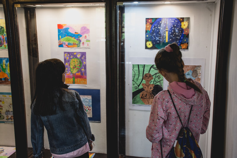Четврти разреди из Гроцке у посети изложби ''Моје окружење''