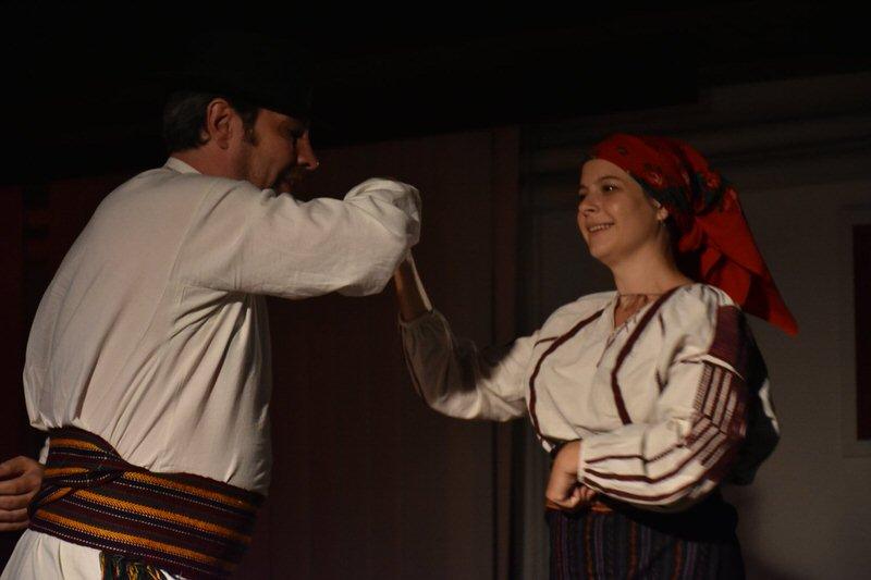 """Изложба """"Кроз прелом"""" и музика Чанго-Мађара у Гроцкој"""