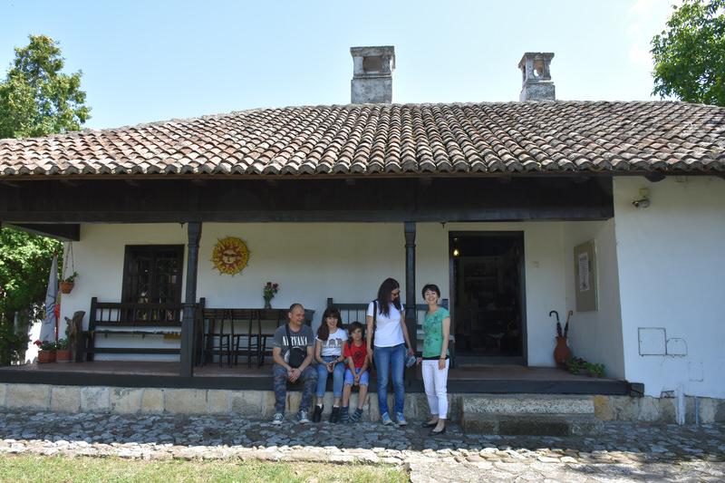 Посетиоци Ранчићеве куће и изложбе Стваралачка Гроцка