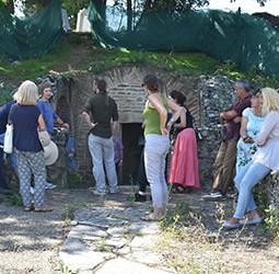 Касно римска гробница у Брестовику